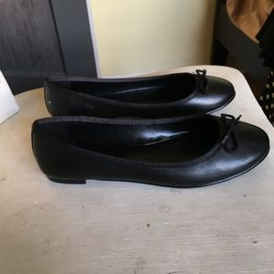 Black Leather Banana Republic Robin Ballet Flats